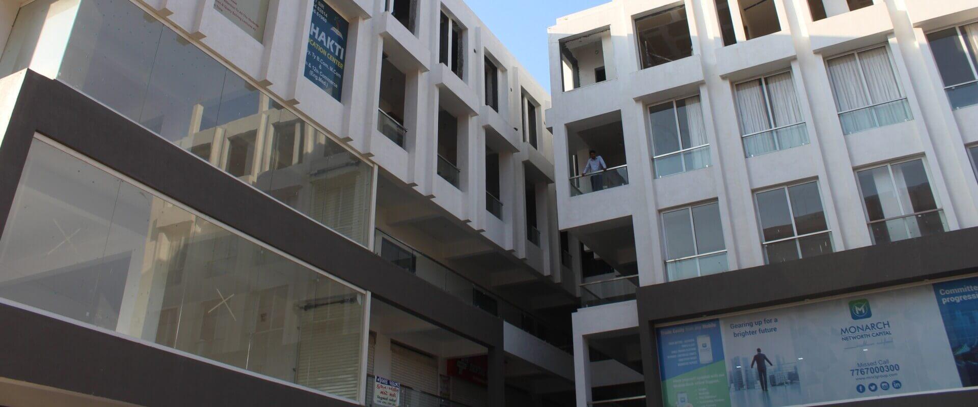 Noble-plaza-slide
